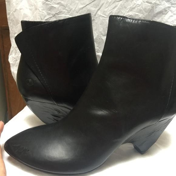 4f7518f41fc6c0 NIB MARSELL Black Leather Booties